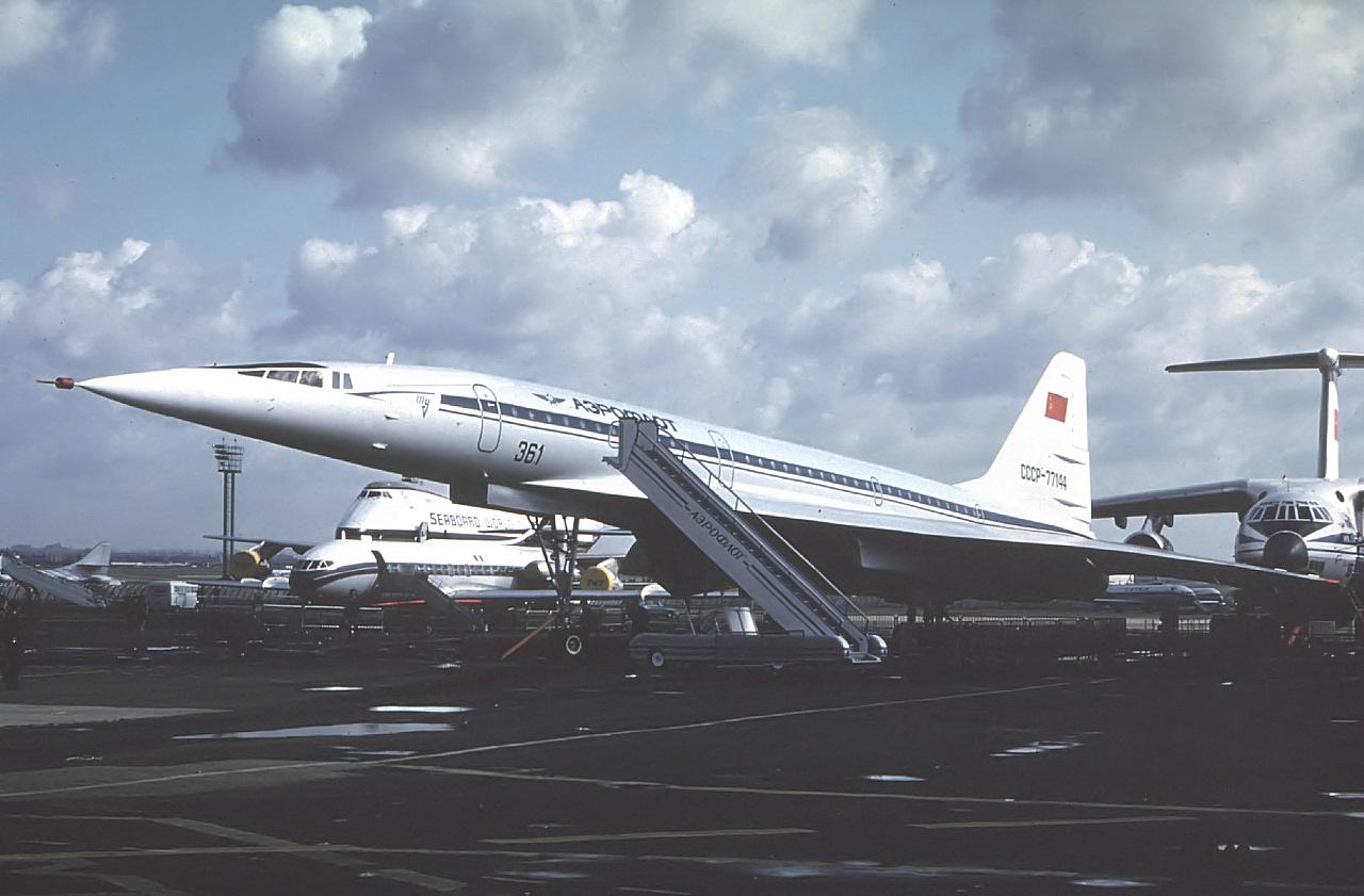 """""""协和""""客机与 俄 tu-144当年在气动布局的设计上谁更"""